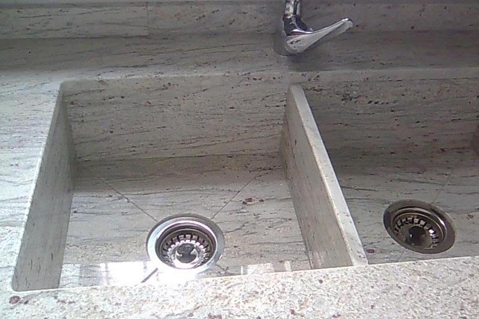 Fregadero integrado doble a cuatro aguas m rmoles santo for Fregaderos de exterior