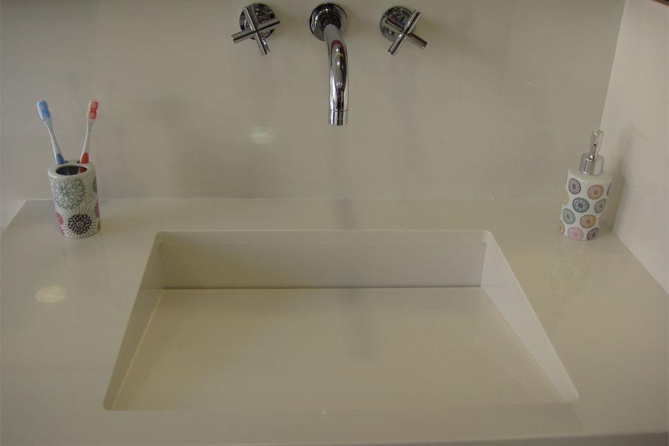 Lavabo integrado con sif n oculto m rmoles santo domingo for Pilas de lavabo