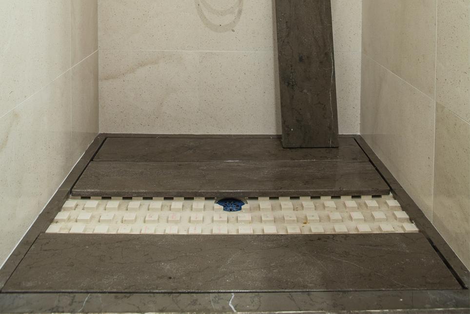 Plato de ducha en tarima m rmoles santo domingo for Plato ducha silestone